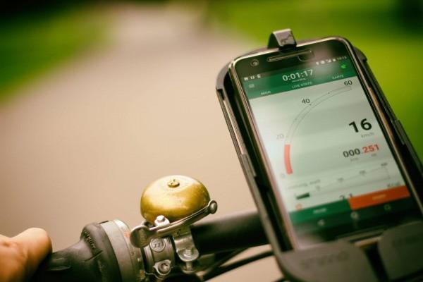 Radfahren mit Smartphone